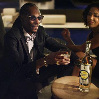 Snoop-Dogg-Cuca-Fresca-cachaca